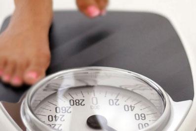Естественные-причины-повышения-веса-при-месячных,-менструации